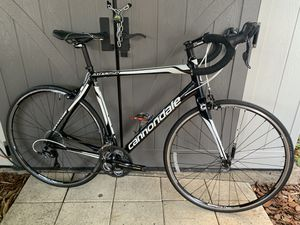 2017 ROAD BIKE CANNONDALE for Sale in Coral Gables, FL