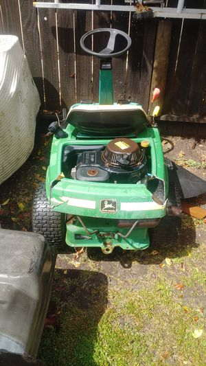 John Deere riding lawn mower for Sale in Elk Grove, CA