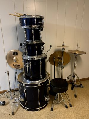 Tama Rockstar Drum Kit with Cymbals for Sale in Peoria, IL