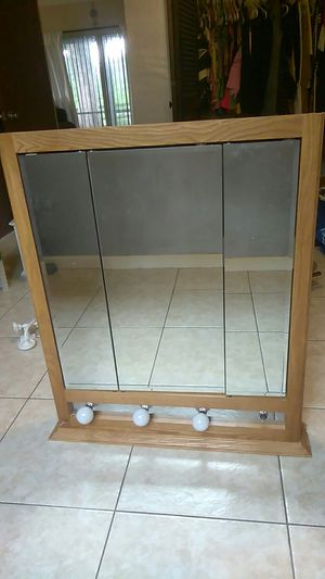 Bathroom mirror wall mounted shelves for Sale in Fort Lauderdale, FL