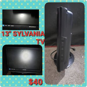 13 in SYLVANIA TV for Sale in Fresno, CA