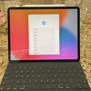 iPad Pro 12.9, 4th Gen, 256GB for Sale in Las Vegas, NV