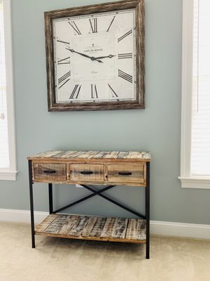 Gorgeous console table, 32.5Hx16Dx41.5W for Sale in Ashburn, VA
