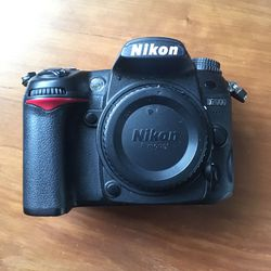 Nikon D7000 - Tripod, Lenses, SD Cards, Hardcase. for Sale in Santa Clara,  CA