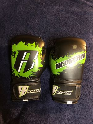 8oz Boxing Gloves for Sale in Kennewick, WA