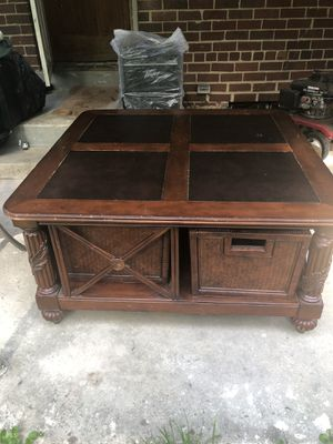Moving sale very strong antique living room table, small round table, antique lamp for 95 for Sale in Wheaton, MD