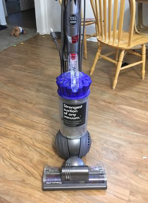 Dyson vacuum for Sale in Garden Grove, CA