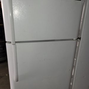 Top Bottom Fridge for Sale in Cayce, SC