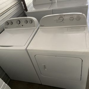 Washer Dryer Whirlpool Very Good Condition 6 Months Of Warranty Delivery Installation Available for Sale in Naples, FL