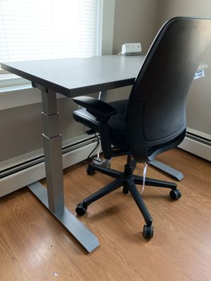 New height adjustable desk made by AMQ. for Sale in Lawrence, MA