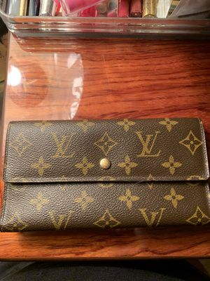 Louis Vuitton Wallet $ 600 for Sale in Philadelphia, PA