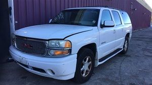 2001 GMC Yukon Denali XL has two full leather rows rare 6.0 engine clean title no leaks just abs light runs and drives great for Sale in Fort Washington, MD