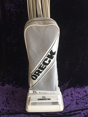 Oreck xl vacuum for Sale in McHenry, IL