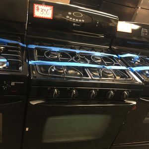 MAYTAG 5 BURNERS GAS STOVE IN EXCELLENT CONDITION 4 MONTHS WARRANTY for Sale in Laurel, MD