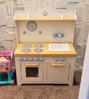 Melissa & Doug Kids Kitchen, Food, Dishes & More! for Sale in Conroe, TX