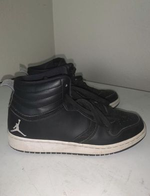 Youth Jordan's Size 6 (Youth) for Sale in Whittier, CA
