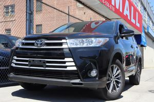 2017 Toyota Highlander for Sale in Queens, NY
