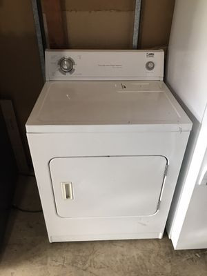 Electric dryer by whirlpool for Sale in Alameda, CA