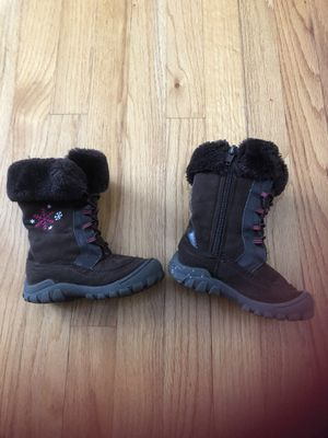 Toddler girl boots size 7M for Sale in Wheeling, IL