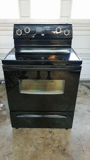 2pc Range, microwave for Sale in CHRISTIANSBRG, VA