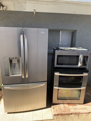 Stainless steel LG fridge stove and microwave for Sale in Phoenix, AZ