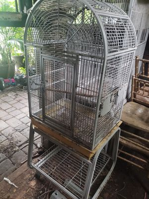 Medium bird cage for Sale in Miami, FL