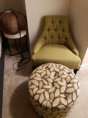 Accent Chair/Ottoman/Swag Lamp/Side Table for Sale in McLean, VA