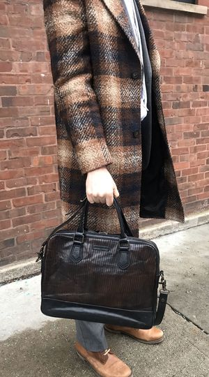 Frye Leather Messenger, Laptop Bag for Sale in Chicago, IL