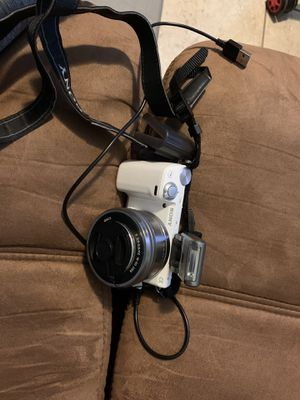 Sony NEX-5R digital camera for Sale in Kissimmee, FL