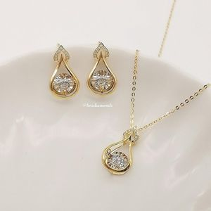 NEW! Rhythm water drop diamond earrings & necklace set in 18karat gold. for Sale in Addison, TX