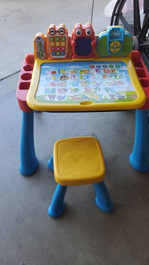 Kids desk for Sale in Livingston, CA