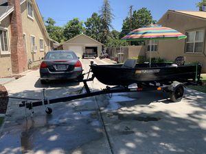 12 foot aluminum johnboat for Sale in Modesto, CA