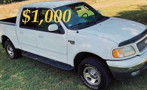 $1,OOO URGENT For sale 2002 Ford F-150 XLT Super Crew Cab 4-Door Pickup very clean condition for Sale in Tacoma, WA