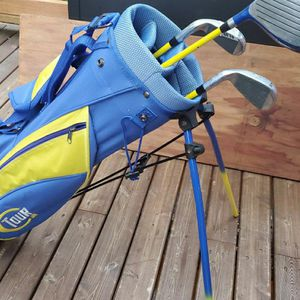 Kids Gold Set With Bag And 3 Clubs (Left Hand)? for Sale in Brier, WA
