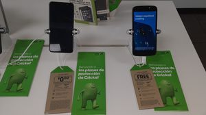 FREE PHONES for Sale in Los Angeles, CA