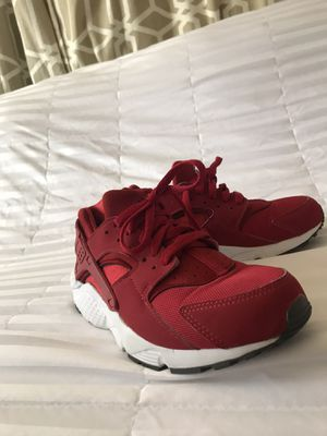 Nike Huaraches Red for Sale in Los Angeles, CA