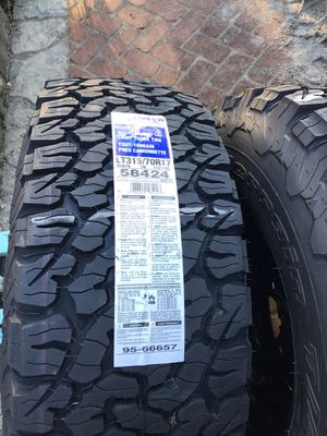 4-LT 315 70 17 BF Goodrich Tires on Black 5x5 Rims for Sale in Kirkland, WA
