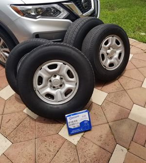 """Set of (4) 15"""" Toyota Tacoma OEM Rims Wheels and tires for Sale in Fort Lauderdale, FL"""