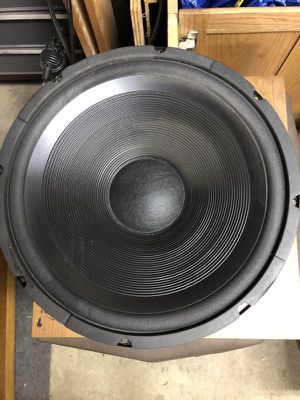 15 inch woofer great for audio speakers - sub woofer - guitar amps Radio Shack 40-1301A 15 inch woofer 8 ohm for Sale in La Grange, IL