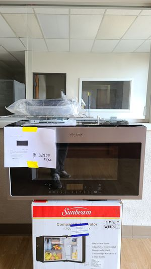 Whirlpool 1.9 cu ft over the Range convection microwave in fingerprint Resistant stainless steel for Sale in Arlington, TX