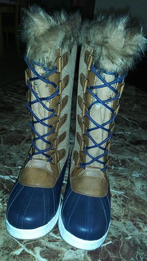 Women's snow boot size 7 for Sale in Glen Burnie, MD