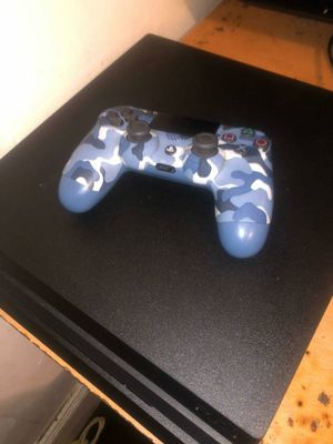 PlayStation 4 pro 1tb for Sale in Detroit, MI