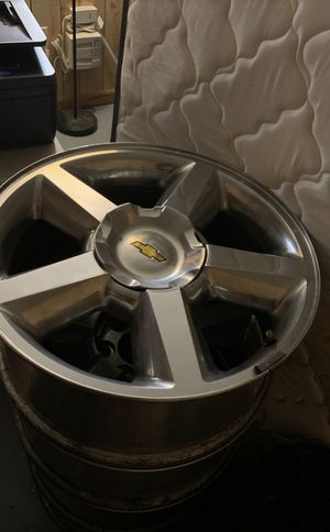 20 inch Chevy Tahoe rims for Sale in Brandywine, MD