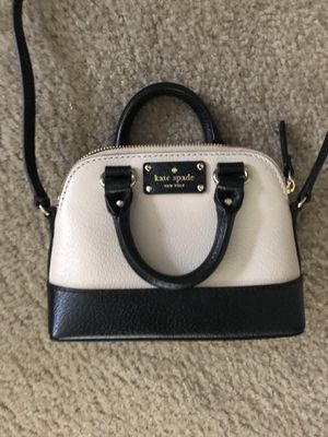 Kate Spade Mini Crossbody for Sale in West Windsor Township, NJ