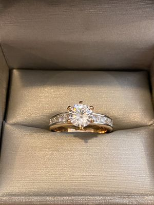 18K Yellow Gold plated Engagement/Promise Solitaire Multi Cut Ring— for Sale in Dallas, TX
