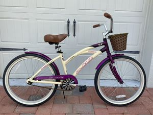 """Excellent 24"""" Aluminum Cruiser Bike - Extremely light and Comfortable - For 4'8"""" to 5'6"""" Riders! for Sale in Winter Garden, FL"""