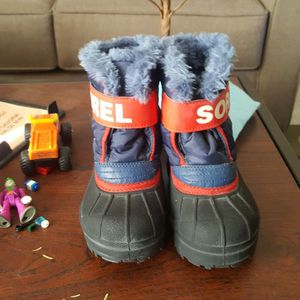 Kids Snow Boots And Jacket for Sale in Henderson, NV