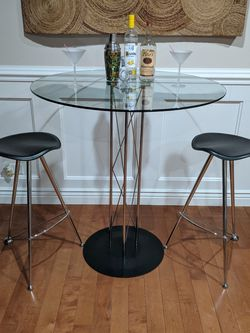 High-End Modern / Minimalist Chrome & Glass Bar/Pub Dining Table Set for Sale in Schaumburg,  IL