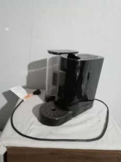Starbucks Verismo V K-fee Espresso K-cup Machine & Capresso Milk Frother Combo for Sale in Merritt Island,  FL