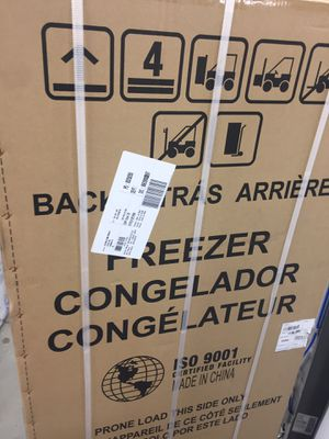 14.1 cu ft Smart upright chest freezer New with 1 year manufacturers warranty. for Sale in Lutz, FL